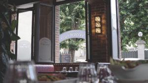 Chez Françoise | Restaurant Rôtisserie - Dans le Restaurant